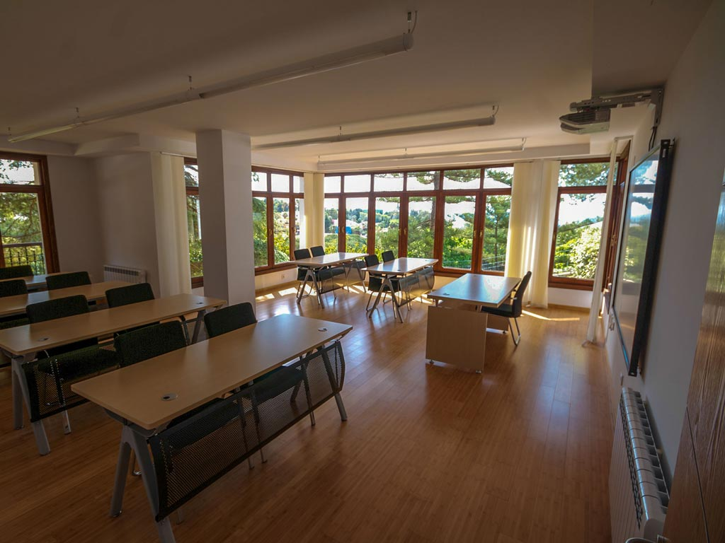 Classroom-of-a-College-in-Spain